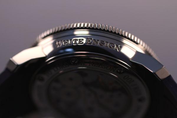 Caja reloj Arnold & Son White Ensign